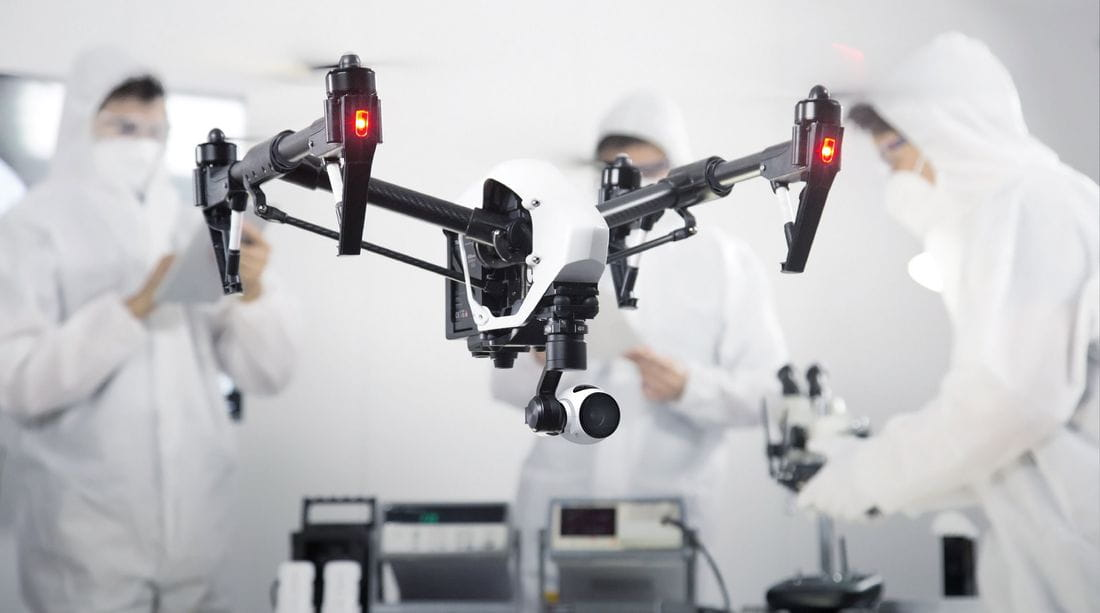 Los drones de menos de 10 kilos podrán sobrevolar la ciudad a menos de 120 metros.