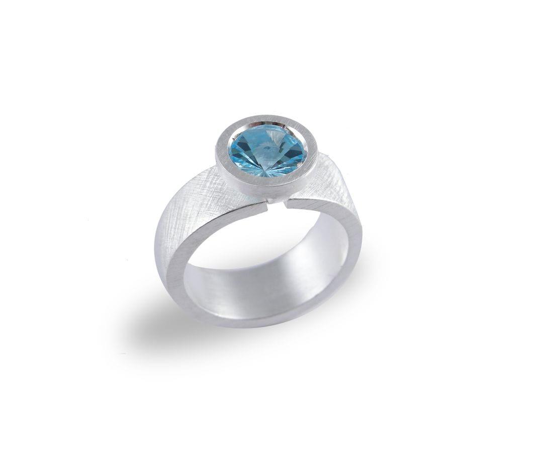 VLADIMIR anillo de plata con topacio