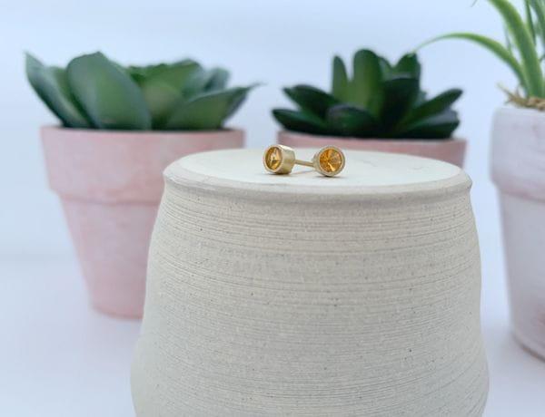 VLADIMIR JOIA pendientes de oro amarillo