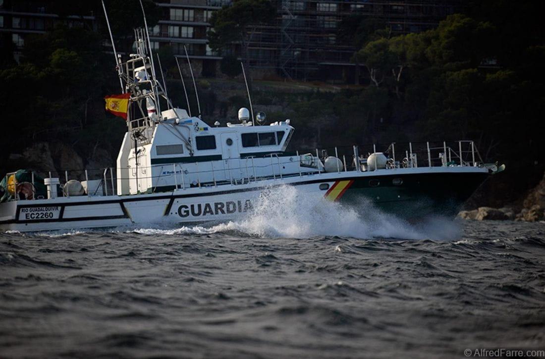 La Guardia Civil pone en marcha sendas campañas de control de embarcaciones deportivas, de recreo y de motos náuticas.
