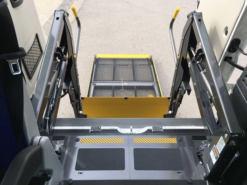 Plataforma el ctrica para silla de ruedas citro n jumper for Plataforma para silla de ruedas