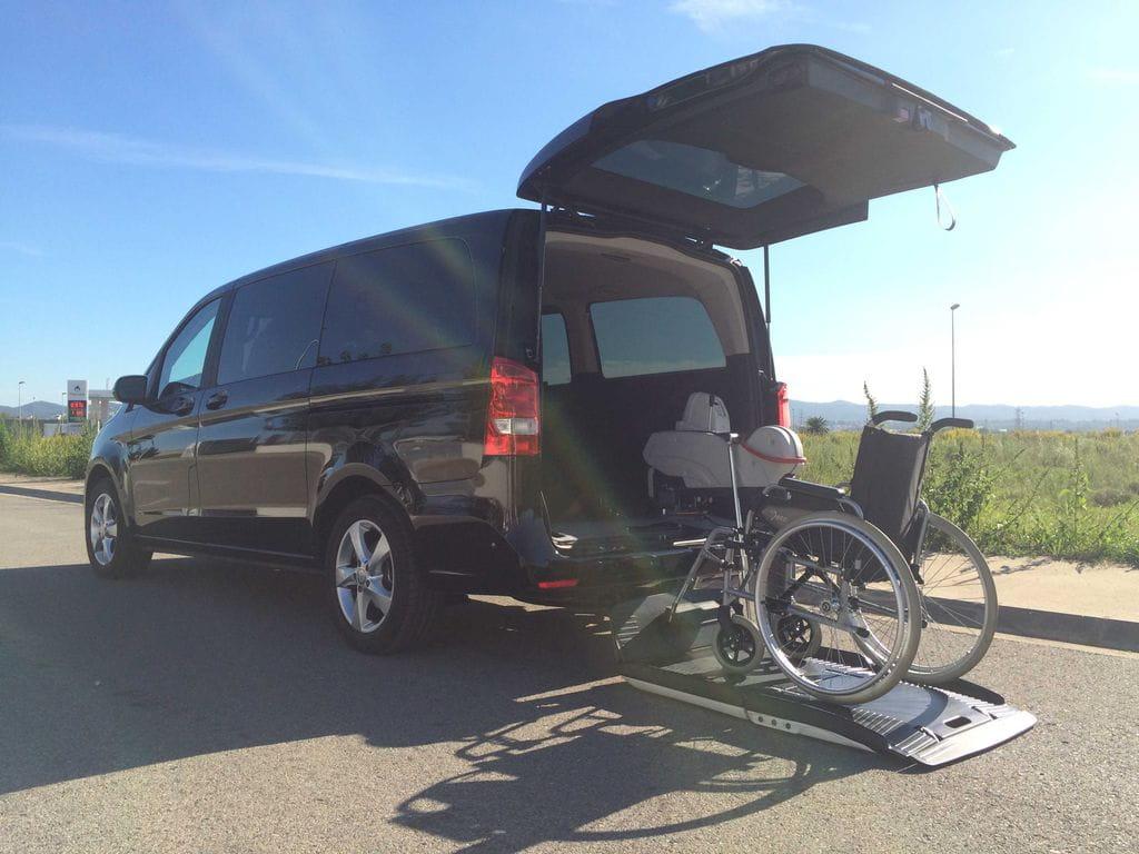 Gr a fiorella adaptaci n mercedes viano for Plataforma para silla de ruedas