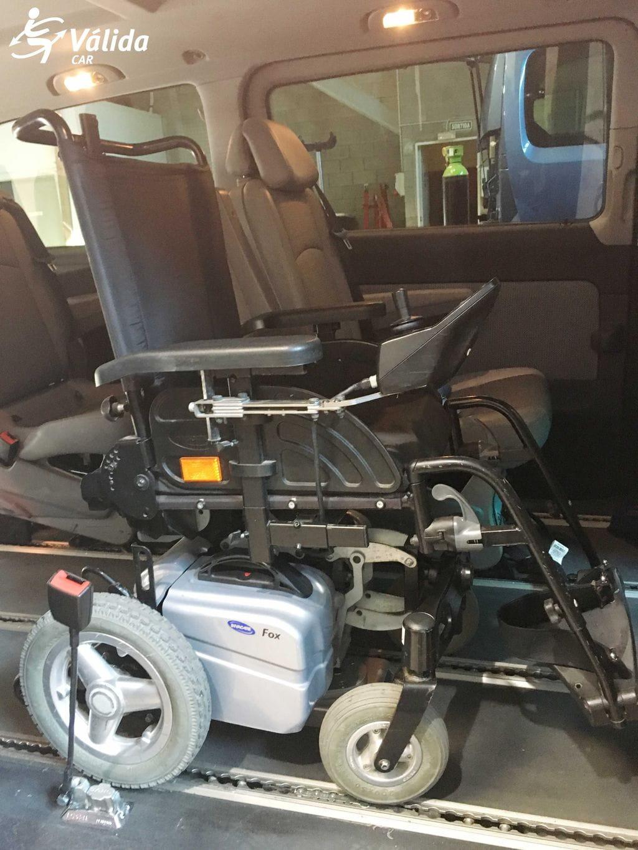 Anclaje el ctrico en suelo para fijar silla ruedas for Sillas para vehiculos
