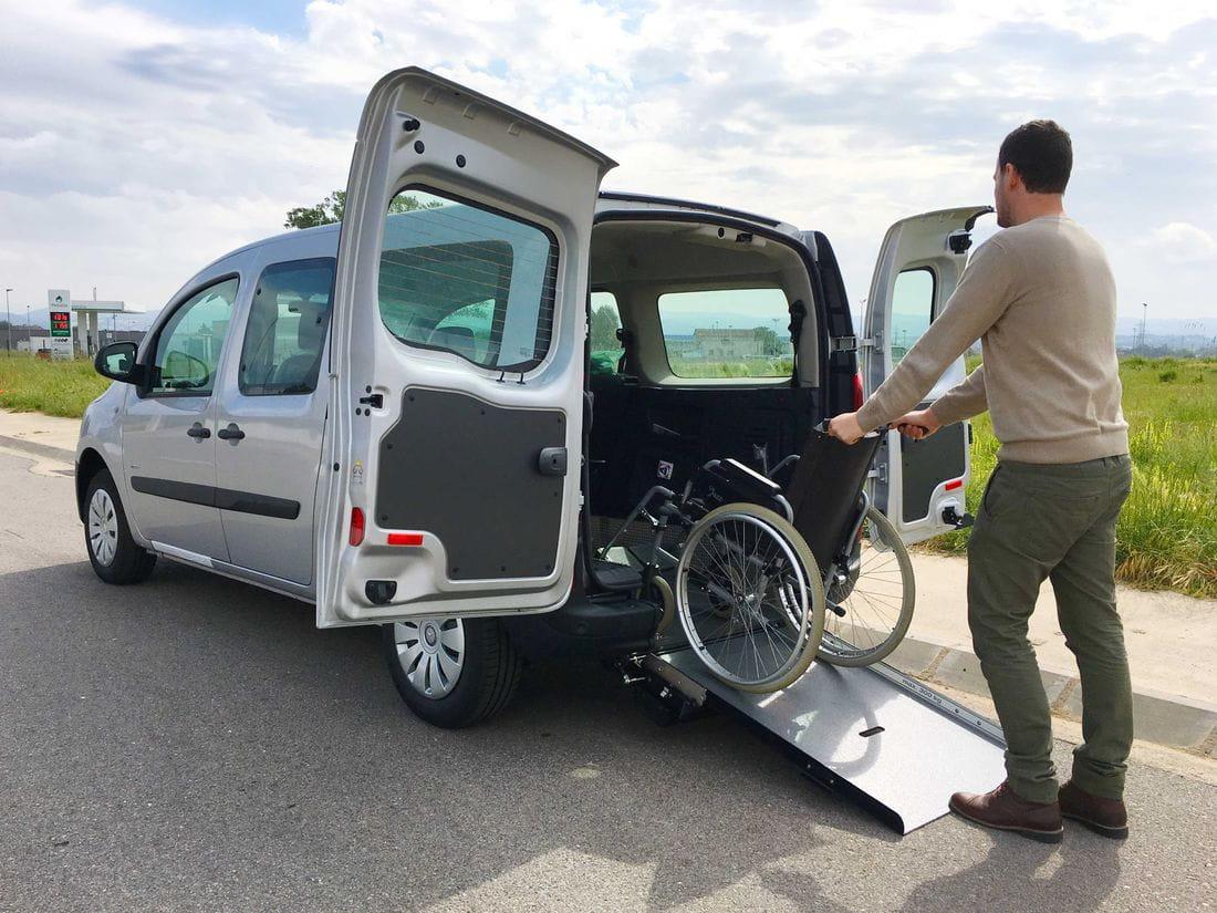 anclajes sillas de ruedas vehiculos adaptado