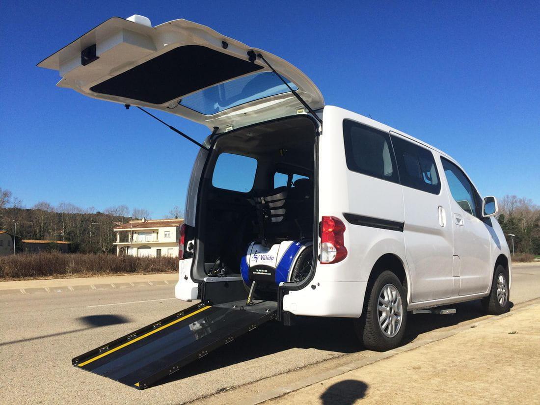 REBAJE DE PISO EN NISSAN NV200 + ESCALÓN: VÁLIDA CAR, VEHÍCULOS ADAPTADOS (BARCELONA)