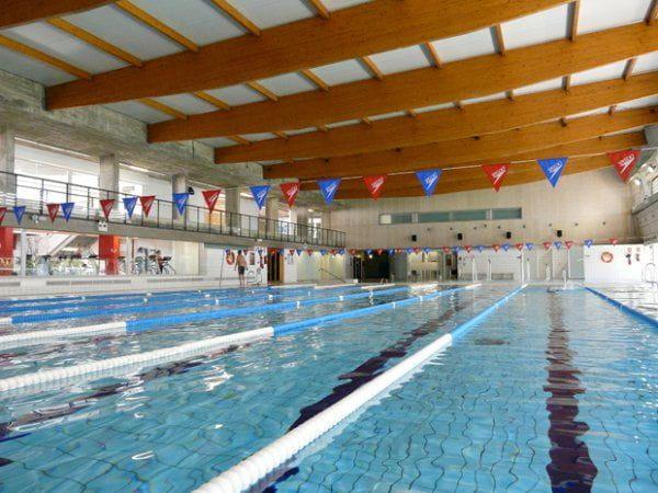 Descuentos para el uso de los espacios deportivos de la for Piscina municipal girona