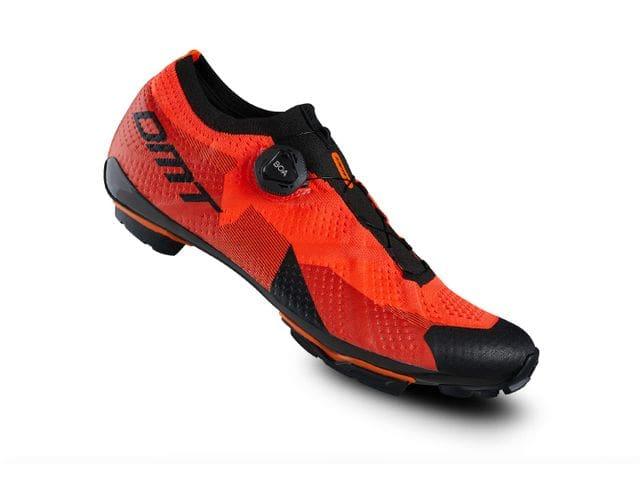 Zapatillas DMT Modelo KM1 CORAL - XC / MARATÓN