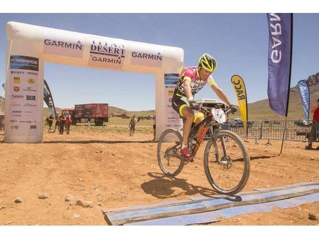 Entrada triumfal de Diego Alejandro Tamayo, 6 Etapa Titan Desert by Garmin 2015