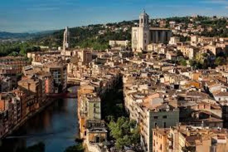 Roba Amiga recull un 36 % més de roba usada a Girona el 2014