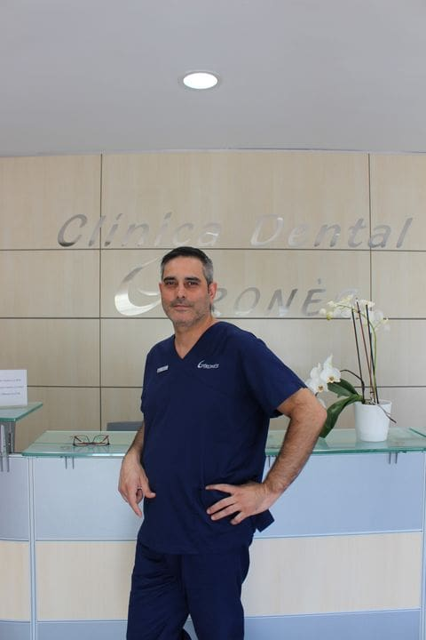 DR. JONATHAN DE BERNARDO CASTILLO