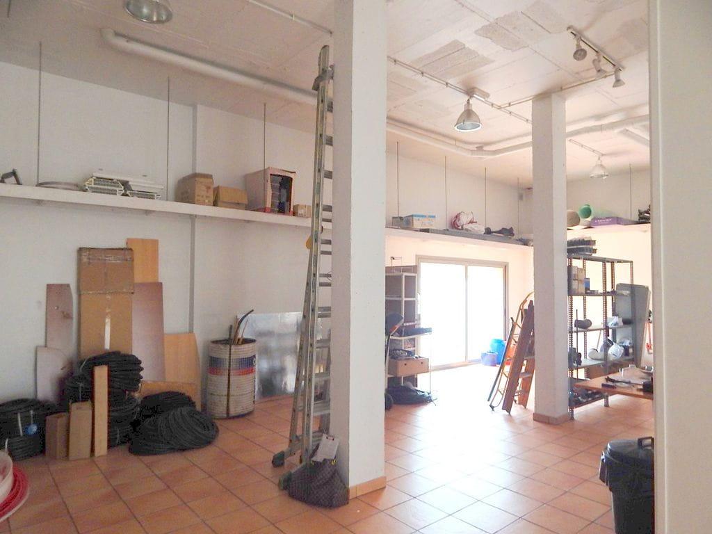5002 palafrugell locaux commerciaux id al pour tout type de entreprise. Black Bedroom Furniture Sets. Home Design Ideas