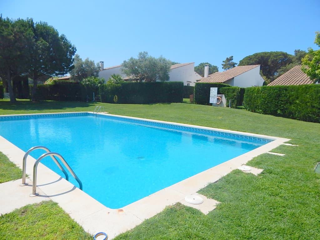 2129 pals maison dans un complexe r sidentiel avec for Complexe piscine